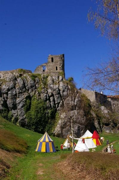 Camps médiéval de la Compagnie Franche du Forez CFF